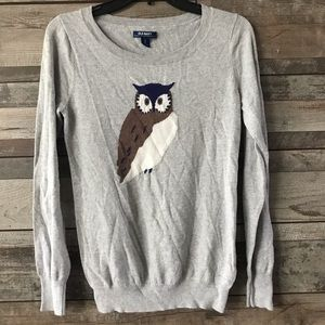 Old Navy gray sweater w/ Owl print small